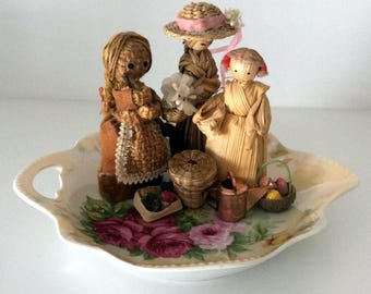Minature Garden Fairy Dolls with Floral Plate