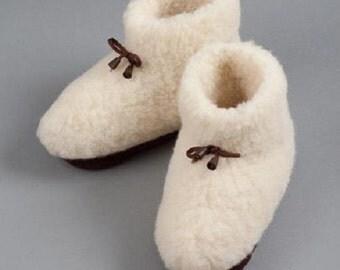 New Ladies - Womens Merino Pure Sheep's Wool White Slippers/ Sheepskin Booties - Non Slip Sole
