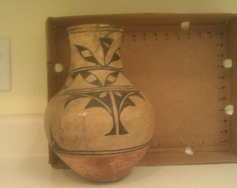 Tall palm Santo Domingo pottery