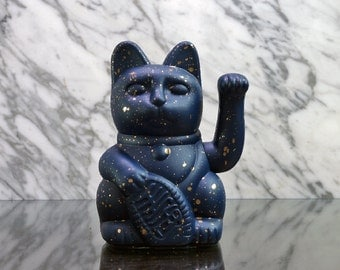 Maneki Neko / Lucky Cat / Waving Cat in 2 Sizes – Blue/Gold Speckle
