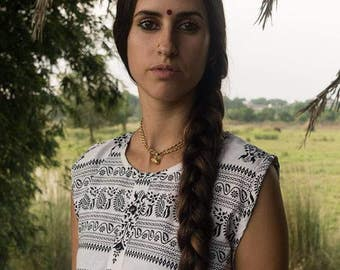 Black on White Sleeveless Kurta Top