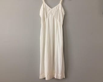 Vintage Ivory Chiffon Slip with Lace - Size 34 - Knee Length