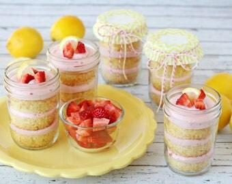 strawberry lemonade cupcake in a jar
