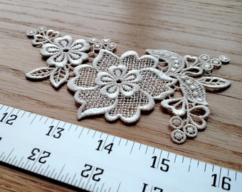 Creamy white venice lace floral rayon/polyester matching pair applique trim