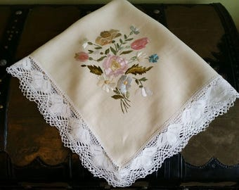 Belle epoque table runner linen decoration picnic or garden table textile Hand made embroidery & lace !