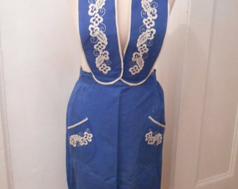 Apron embroidered 30s 40s vintage blue white