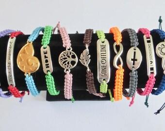 Macramee bracelet with sliding knots, many colors