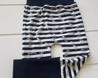 Rolling pants lined with metal feathers