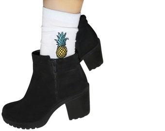 Pineapple Embroidered SOCKS
