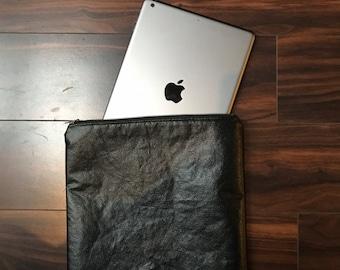 Long black zipper pouch