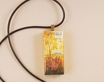 Victoria vintage travel poster domino resin pendant