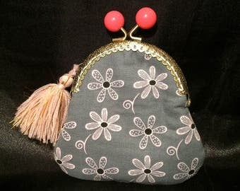 gray and pink kisslock coin purse, gray coin purse, gray floral coin purse. Holds credit cards, change, bills. READY TO SHIP!