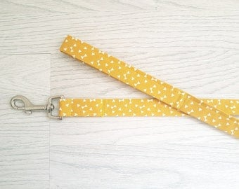 yellow dog lead / leash