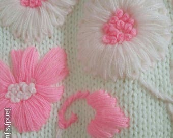 60's Pink and White flowered knit cardigan sweater size 42