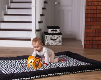 47''x67'' Large, thick and warm educational play mat/ Padded play mat /Baby play mat/Baby rug/Nursery decor 120x170 cm BLACK DIAMONDS