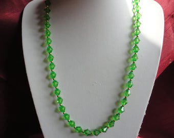 Green Glow Faceted Beaded Necklace - N49