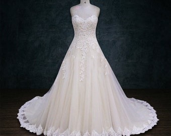 Wedding Dress, A-line, Heavy Beading, Lace Appliques, Scalloped Sweetheart Neckline