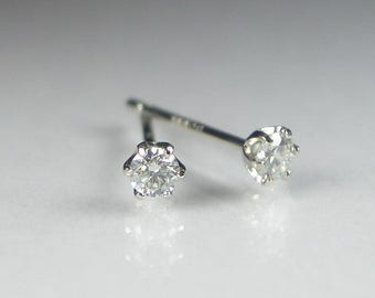 platinum diamond earrings studs for women 1/10 carat