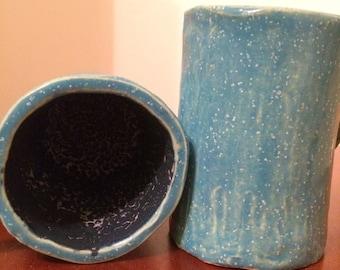 Two-tone textured mugs