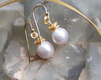 """Luisa cream Pearl Earrings"""