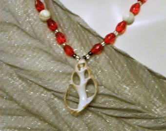 Seashell necklace with Red Beads
