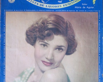 "Former Portuguese ""Maos of Fada"" year 1950 crochet magazine"
