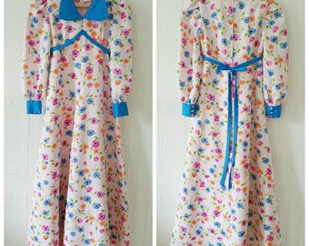 Vintage 60s retro floral dress, housecoat, 1960s mod dress, size extra small/small