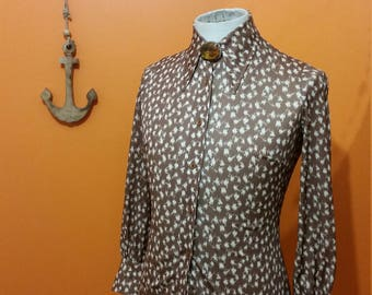 1970s ladies dagger collar blouse