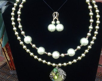 Sage Green Glass Pearl Beaded Necklace Set