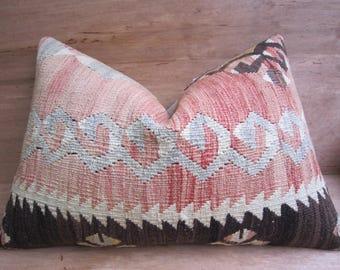 decorative pillow,home living,home decor,vintage,kilim pillow,pillow,bohemian pillow,handwoven pillow,throw pillow,accent pillow,16x24