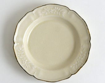 Flower shaped rim deep plate 8.8 inch (ivory), Made to Order in 2 months ; Shintaro Abe (16005905-7.5Y)