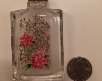 Chinese Snuff bottle reversed painted pink flower