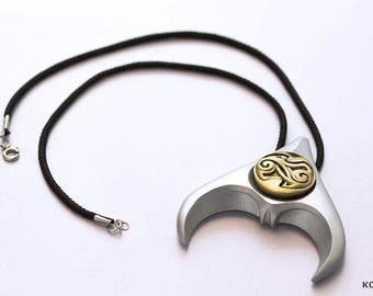 Goblin King's Pendant (Resin Replica of Jareth's Pendant from Labyrinth)