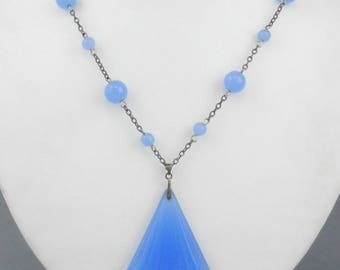 c1920's Beautiful Vintage ART DECO Sterling Silver Periwinkle Blue Chalcedony Glass NECKLACE