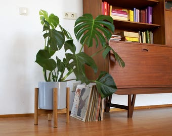 Retro mid century planter including Grey pot