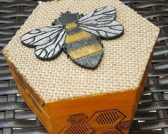Handpainted wooden bee nature inspired trinket/jewellery/keepsakes box