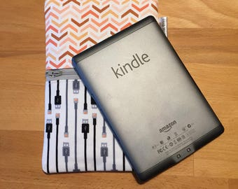 E-Book Reader Cover with storage, E-Reader Sleeve, Adult Kindle Cover, Kindle Sleeve, zippered, 8.5 inches, Modern, USB storage pocket