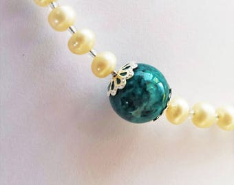Pearls and green malachite gemstone bead necklace