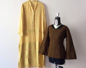 Sale! From 25 to 20 euros! Wonderful vintage fabric Bell sleeves tunic Wax. Size M