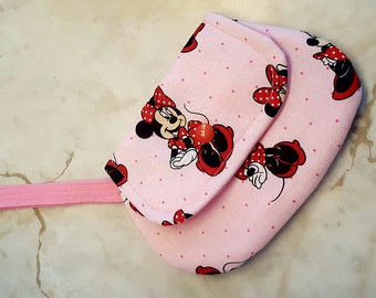 Minnie mini clutch
