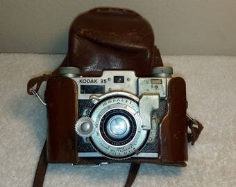 Antique Vintage 1940's Kodak Model 35 Camera in Original Leather Case