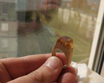 Handmade Ring Wood oak resin epoxy Size: (19,5 mm)