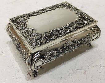 A Rectangular beautifully detailed silver-plated box