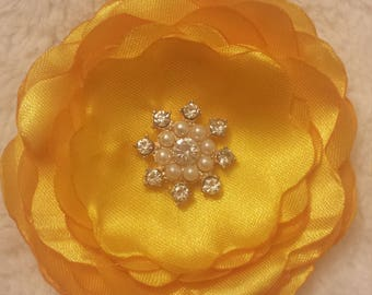 Beautiful flower hair clip