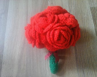Crochet red rose bouquet