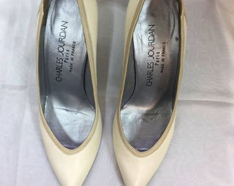 60' Vintage French Charles Jourdan creamy high heels size 37
