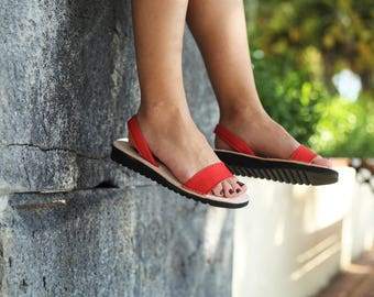 Red summer sandal. Red sandals. Menorca. Avarca with original design, made in Menorca. Leather sandal. Summer sandals.