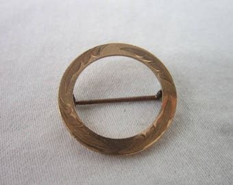 Antique Victorian S & C Gold or Gold Filled Engraved Circle Brooch