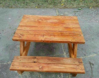 Toddlers/Childrens Picnic Table