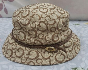 FREE SHIPPING !!! Vintage Bucket Hats Guess with leather Grip Suitable for Women